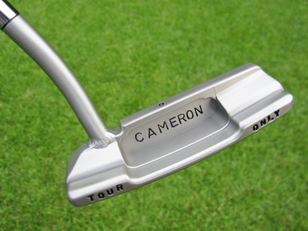 scotty cameron tour only sss timeless newport 2.5 with welded 1.5 round neck circle t 350g